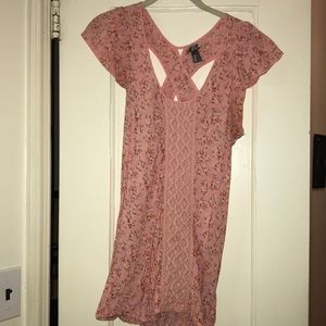 Vanity Size Large cries cross Back Pink Blouse